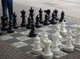 chesspieceslifesize
